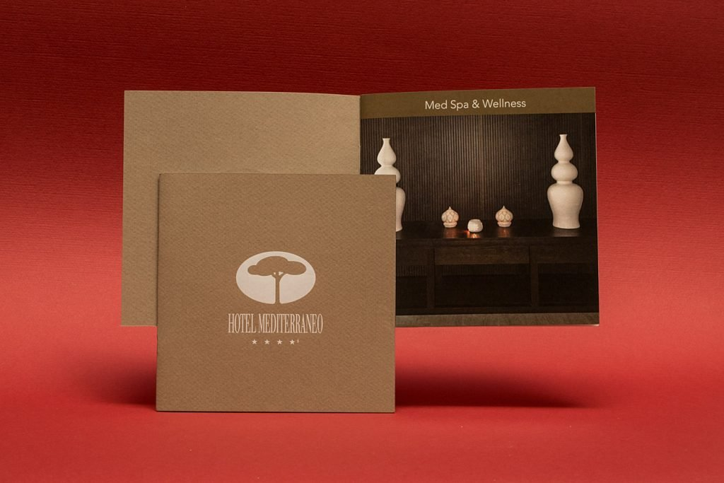 Libretto-SPA-copertina-stampa-in-hot-foil-bianco
